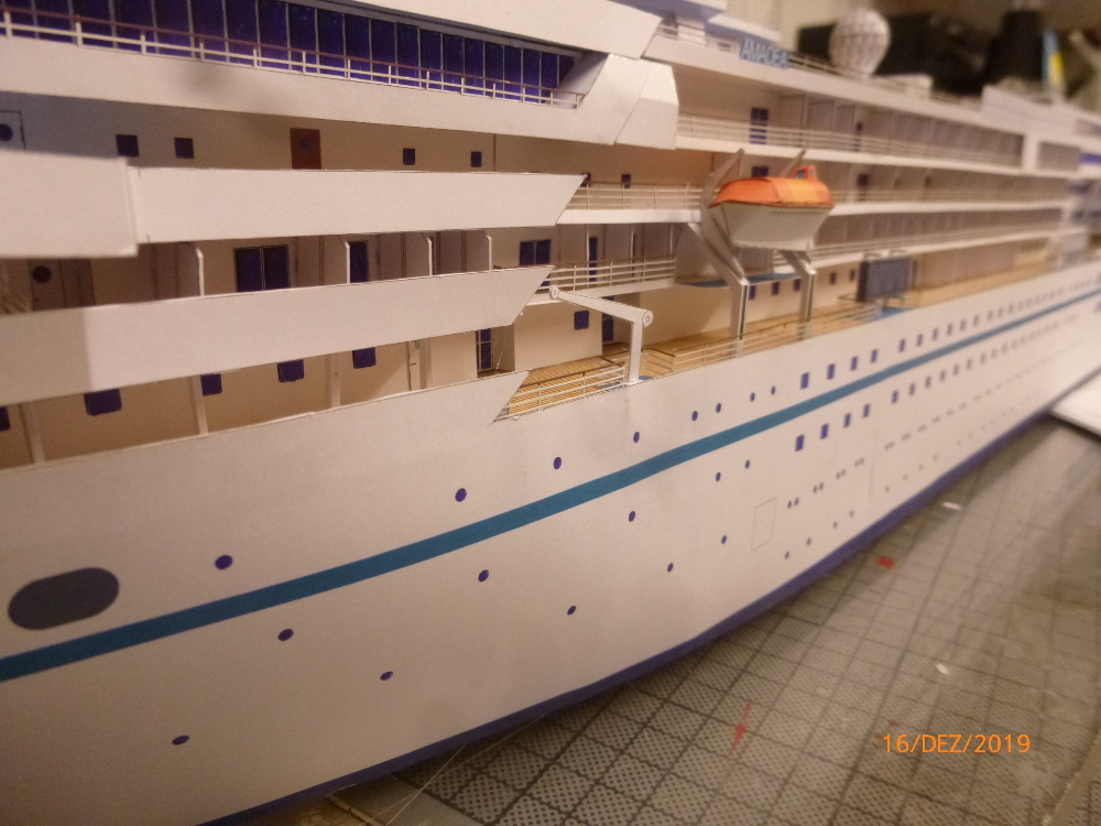 ZDF-Traumschiff MS Amadea 1:200 VK Design gebaut von Millpet - Seite 4 P1110338