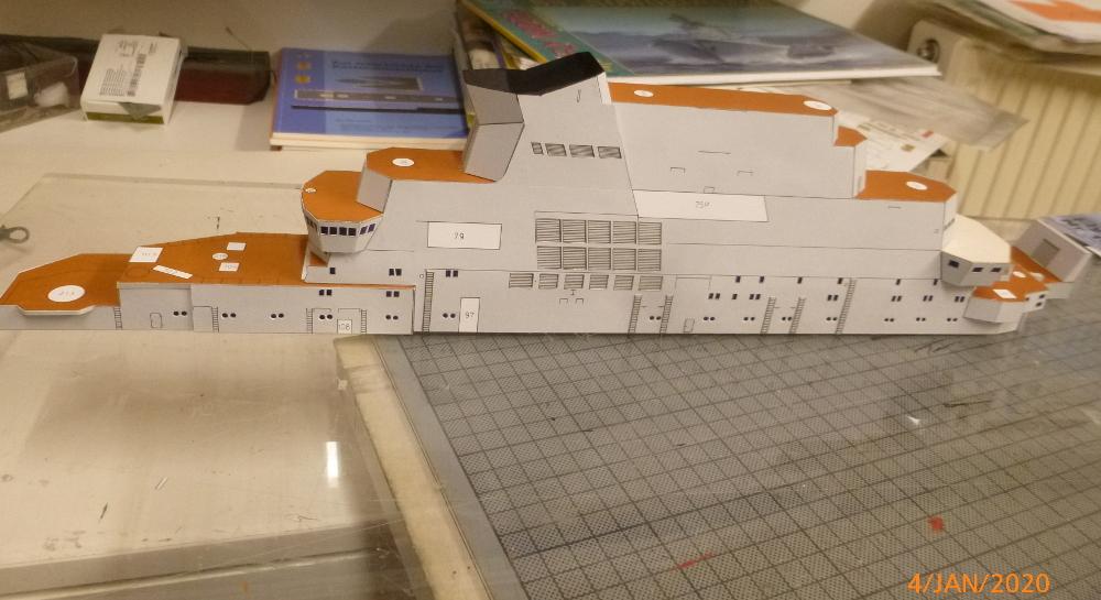 SS NOWOROSIJSK  Fly Model 1:200 gebaut von Millpet - Seite 2 P1110371