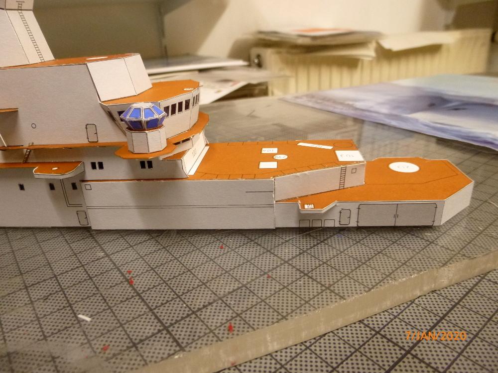 SS NOWOROSIJSK  Fly Model 1:200 gebaut von Millpet - Seite 2 P1110373