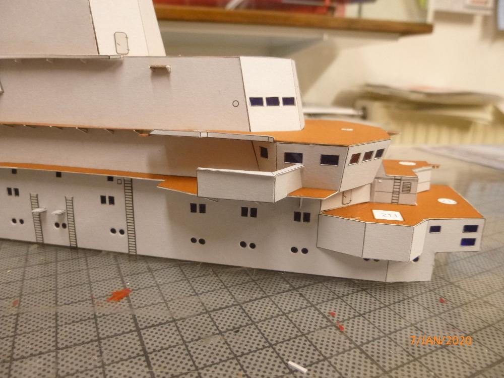 SS NOWOROSIJSK  Fly Model 1:200 gebaut von Millpet - Seite 2 P1110379