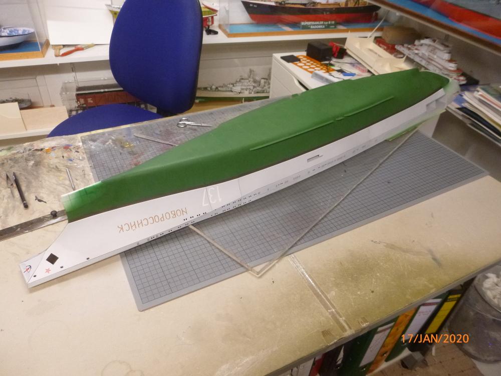 SS NOWOROSIJSK  Fly Model 1:200 gebaut von Millpet - Seite 3 P1110383