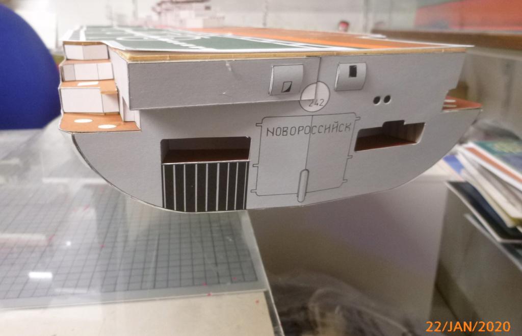 SS NOWOROSIJSK  Fly Model 1:200 gebaut von Millpet - Seite 3 P1110411