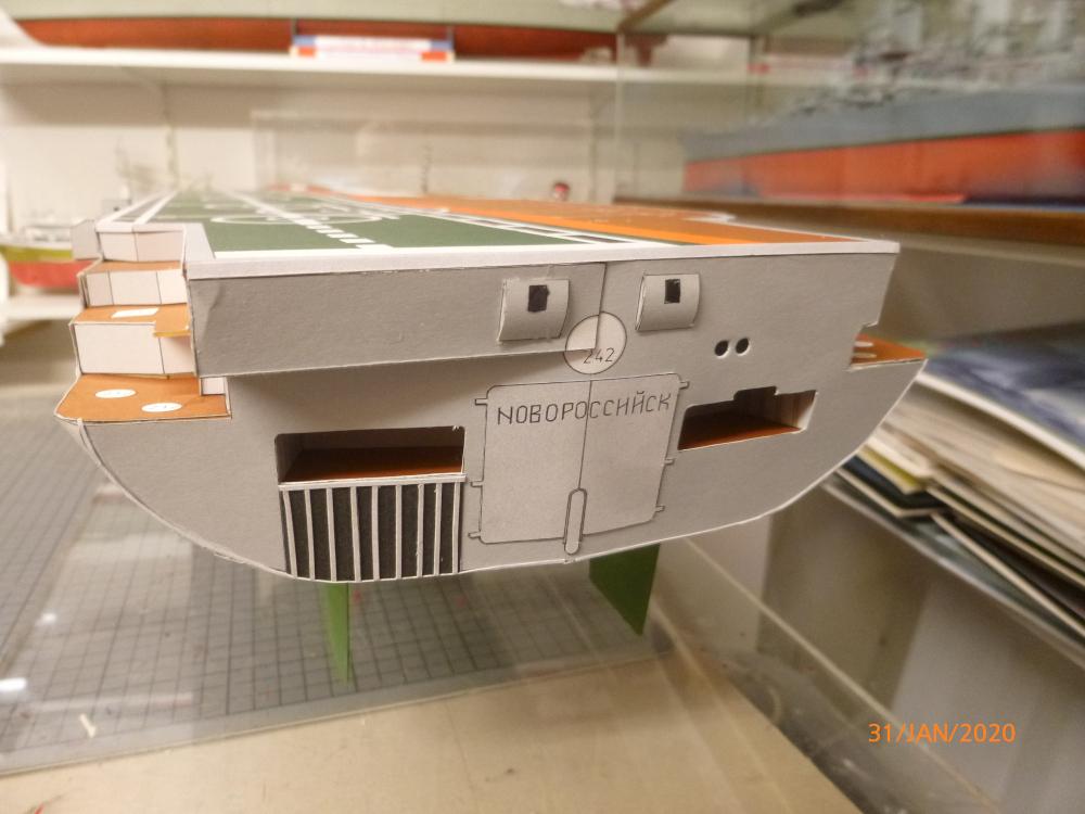 SS NOWOROSIJSK  Fly Model 1:200 gebaut von Millpet - Seite 3 P1110419