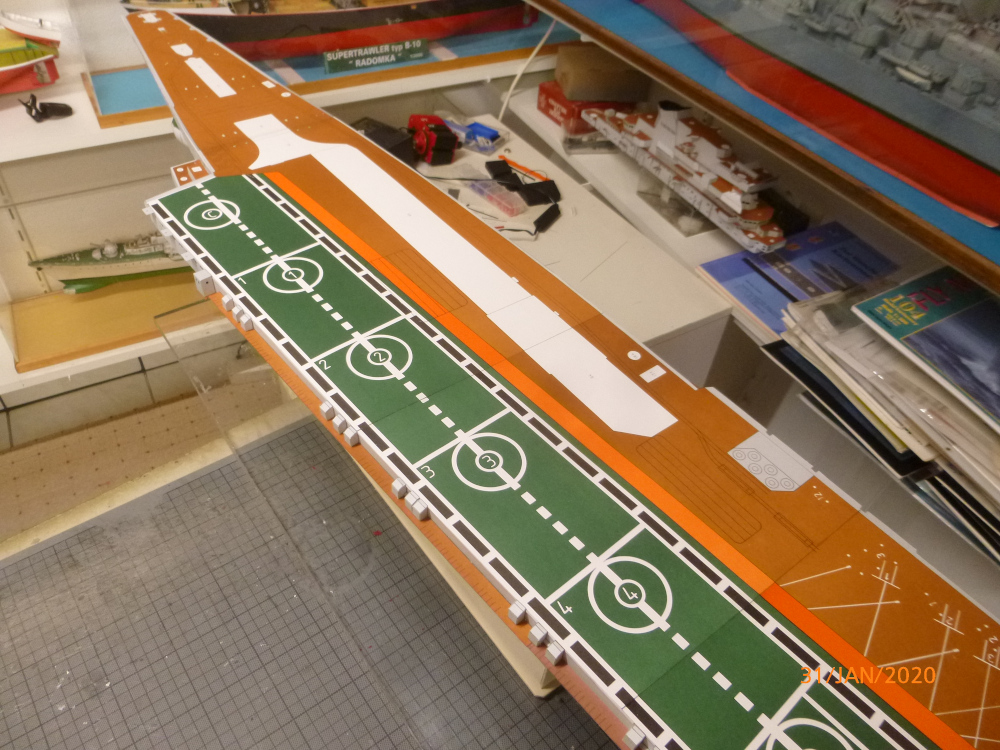 SS NOWOROSIJSK  Fly Model 1:200 gebaut von Millpet - Seite 3 P1110423