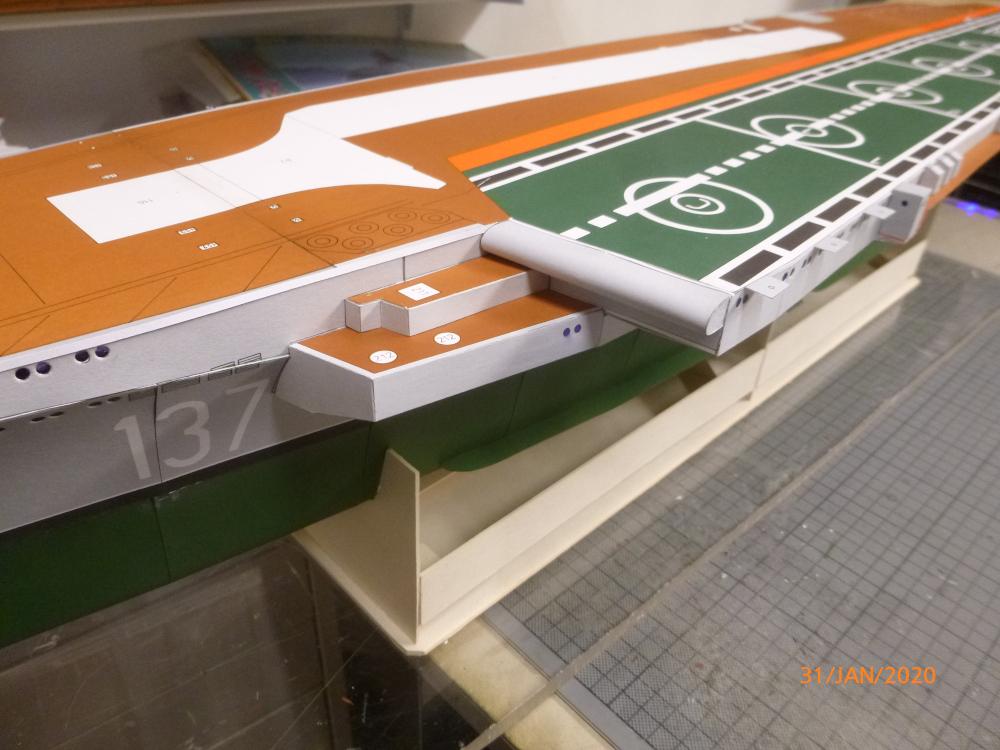 SS NOWOROSIJSK  Fly Model 1:200 gebaut von Millpet - Seite 3 P1110424