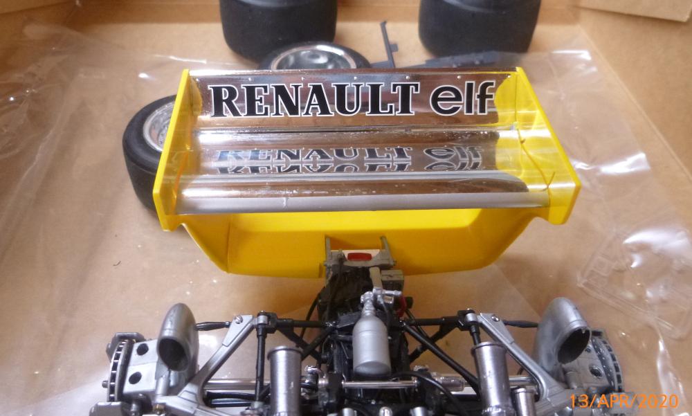 Renault F1 RE20 Turbo Italeri 1:12 gebaut von Millpet - Seite 3 P1110681