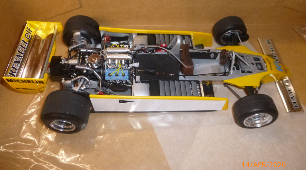 Renault F1 RE20 Turbo Italeri 1:12 gebaut von Millpet - Seite 3 P1110683