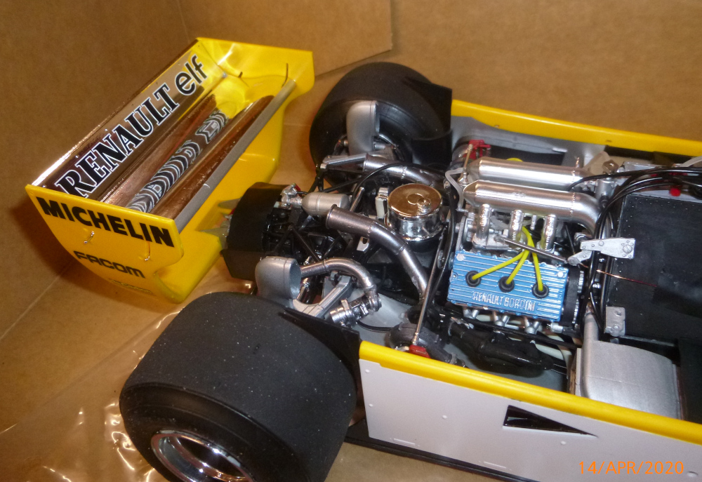 Renault F1 RE20 Turbo Italeri 1:12 gebaut von Millpet - Seite 3 P1110684