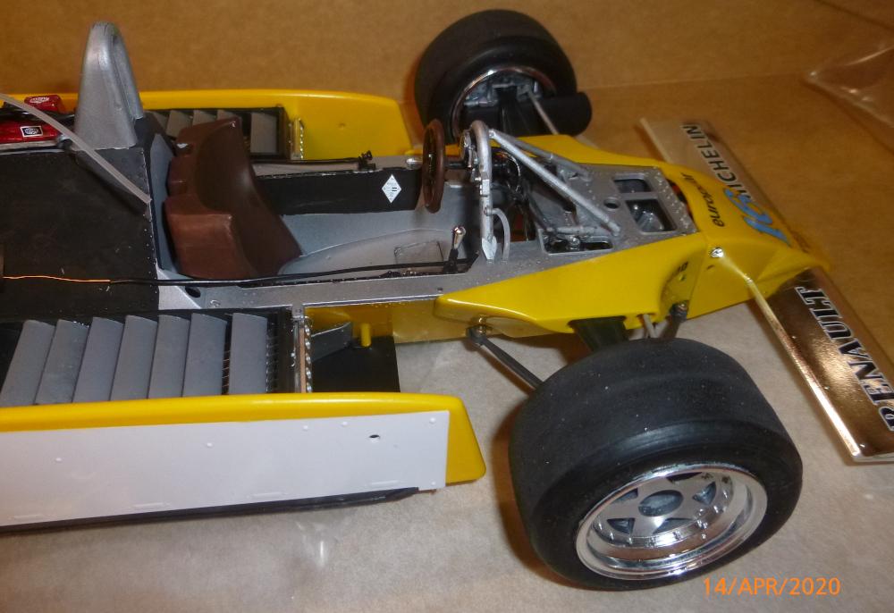 Renault F1 RE20 Turbo Italeri 1:12 gebaut von Millpet - Seite 3 P1110685