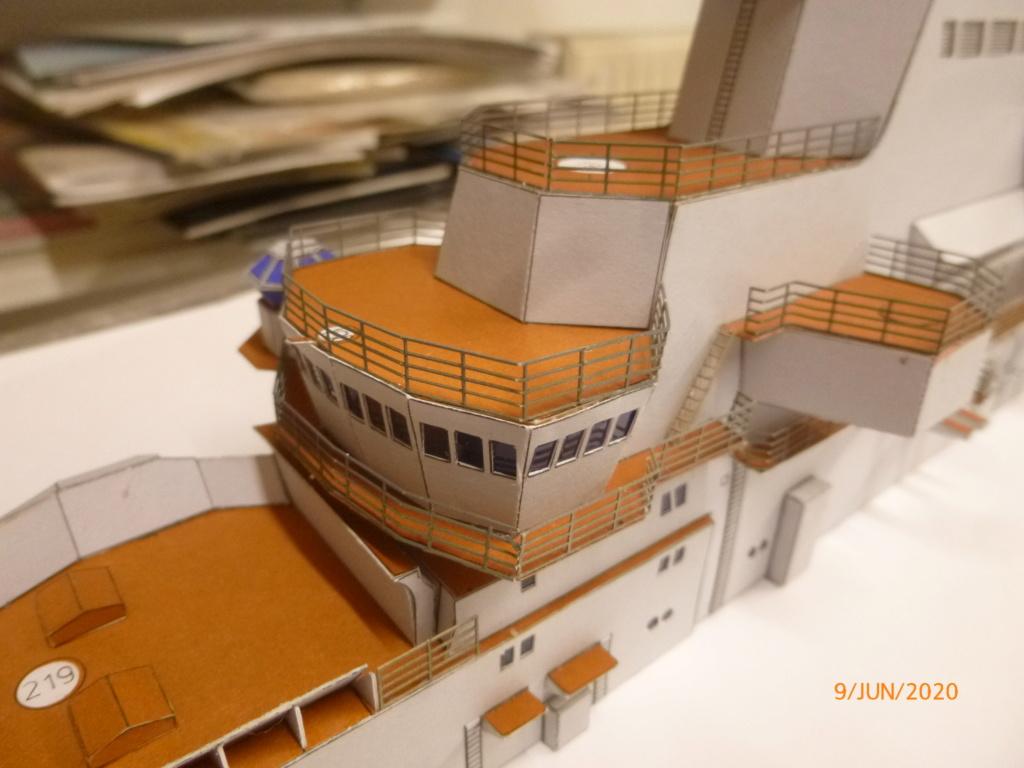 SS NOWOROSIJSK  Fly Model 1:200 gebaut von Millpet - Seite 4 P1110877