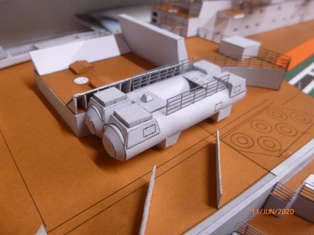 SS NOWOROSIJSK  Fly Model 1:200 gebaut von Millpet - Seite 4 P1110892