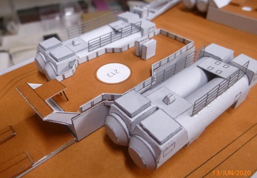 SS NOWOROSIJSK  Fly Model 1:200 gebaut von Millpet - Seite 4 P1110894
