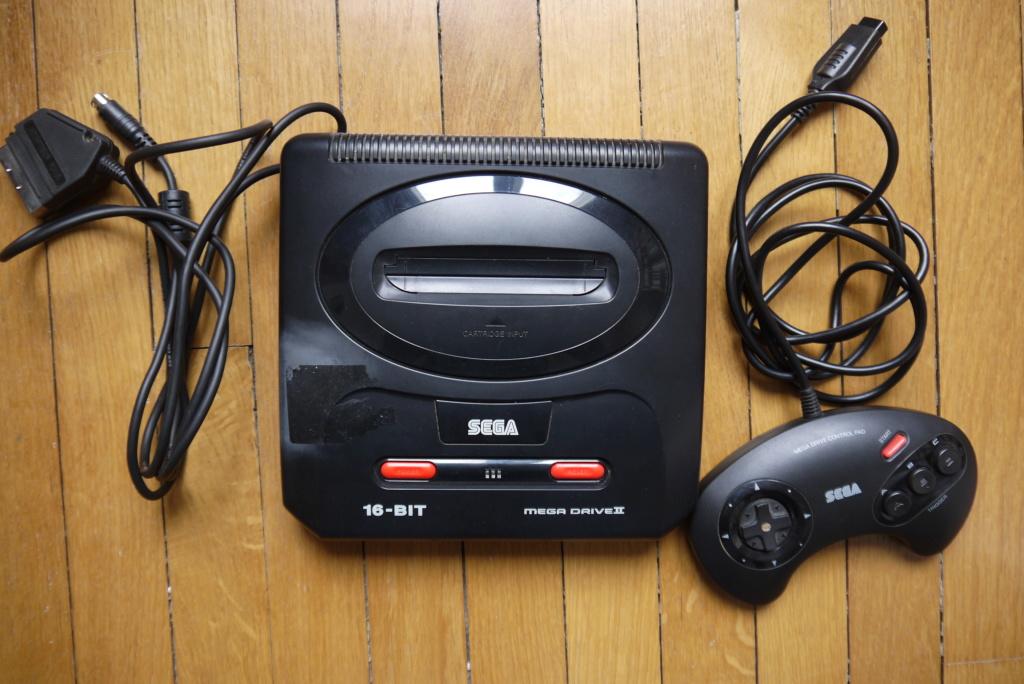(ESTIM) 2 consoles Megadrive P1080125