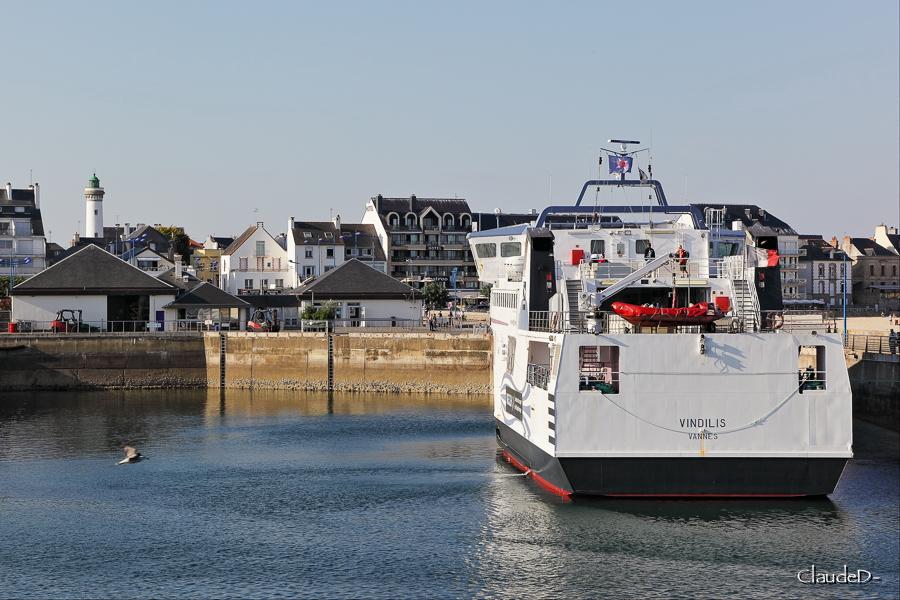 Navires de dessertes ou à passagers, bretons - Page 5 Quibpm10