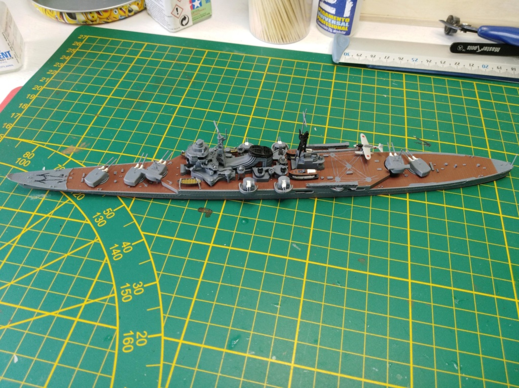 Croiseur Mikuma au 1/700 de chez Tamiya Img_2023