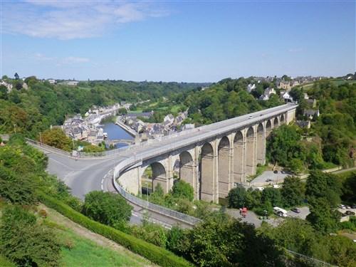 Le pont, incontournable du paysage routier - Page 4 Imgp4812