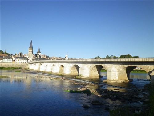 Le pont, incontournable du paysage routier - Page 4 Imgp8321