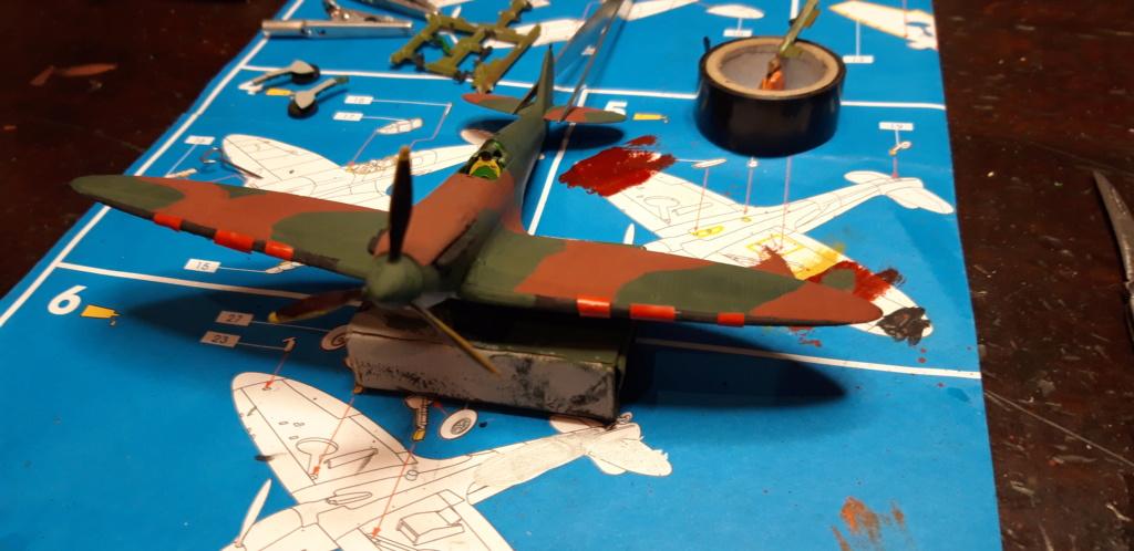 découverte... Spitfire 1A Heller de 19....?... .  - Page 2 20200511