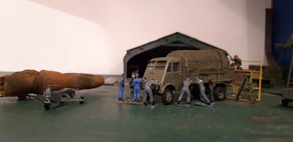 Camion Renault mod 35.. 1/72  marque ACE - Page 4 20210913
