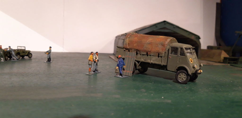 Camion Renault mod 35.. 1/72  marque ACE - Page 4 20210923