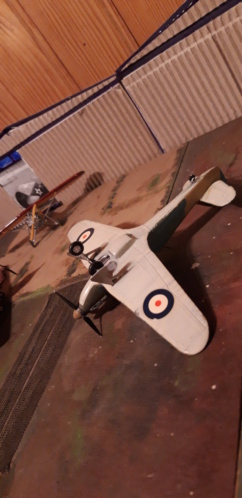 Hawker Hurricane 1/72ème.. Dessou11