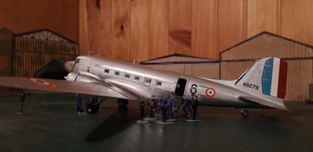 Dakota Airfix 1/72ème nouvelle boite vers 2000...?... - Page 6 Dzopar11
