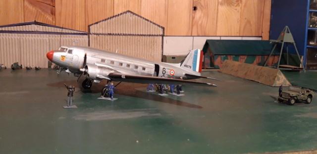 Dakota Airfix 1/72ème nouvelle boite vers 2000...?... - Page 6 Dzopar12