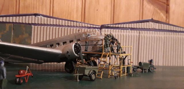 Dakota Airfix 1/72ème nouvelle boite vers 2000...?... - Page 7 Ju_52_10