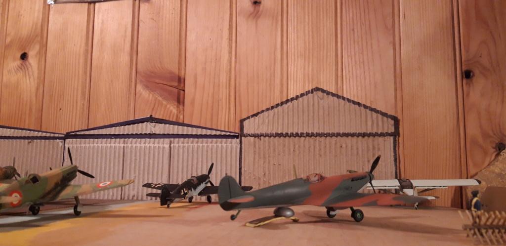 découverte... Spitfire 1A Heller de 19....?... .  - Page 2 Roulet10