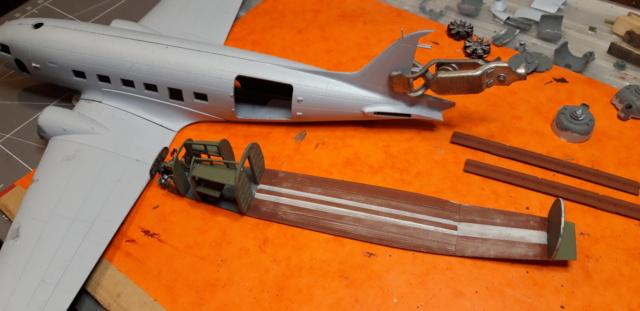 Dakota Airfix 1/72ème nouvelle boite vers 2000...?... Soute_10