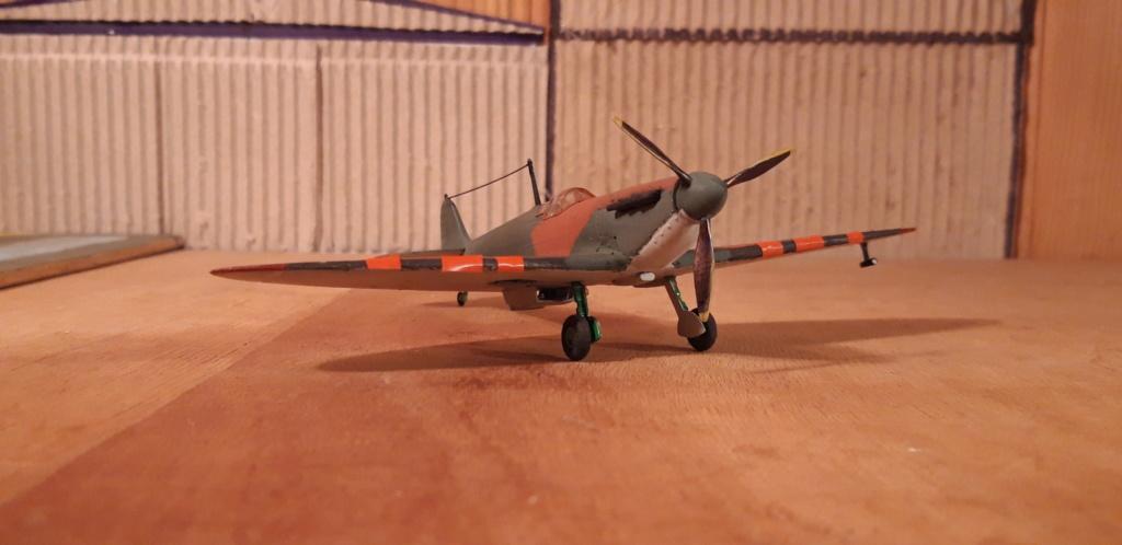découverte... Spitfire 1A Heller de 19....?... .  - Page 3 Spit_f10