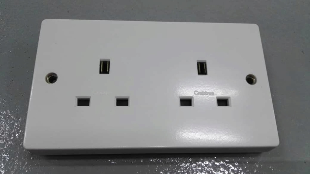 Audio grade UK twin wall socket (used) Crabtr13
