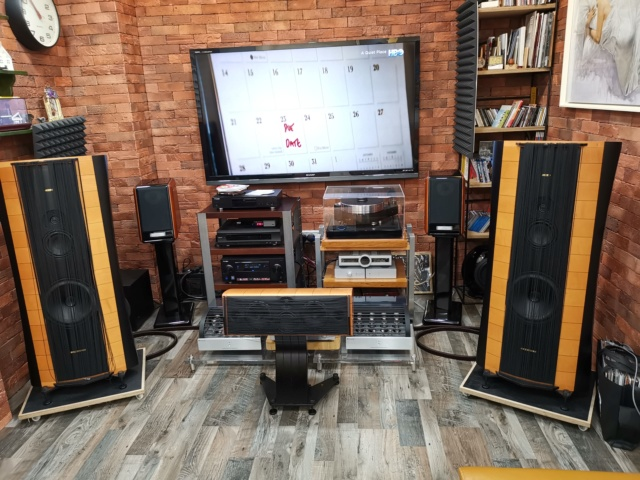 Full set of high end hifi system selling out.  Img_2013