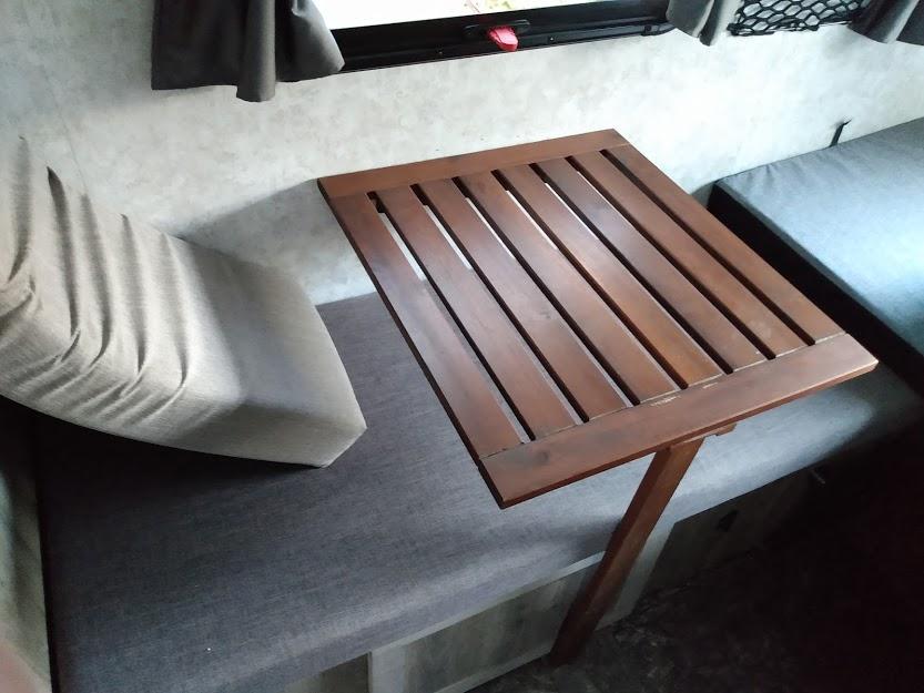 Modification Plus S    ajout d'un table d'appoint  Ajout_10