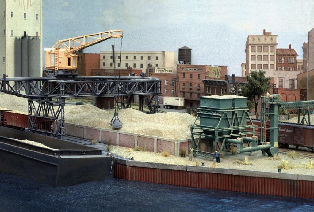 Dio : Free haven harbor terminal (scratch Échelle N) par LE CORRE Christophe Fhht0810