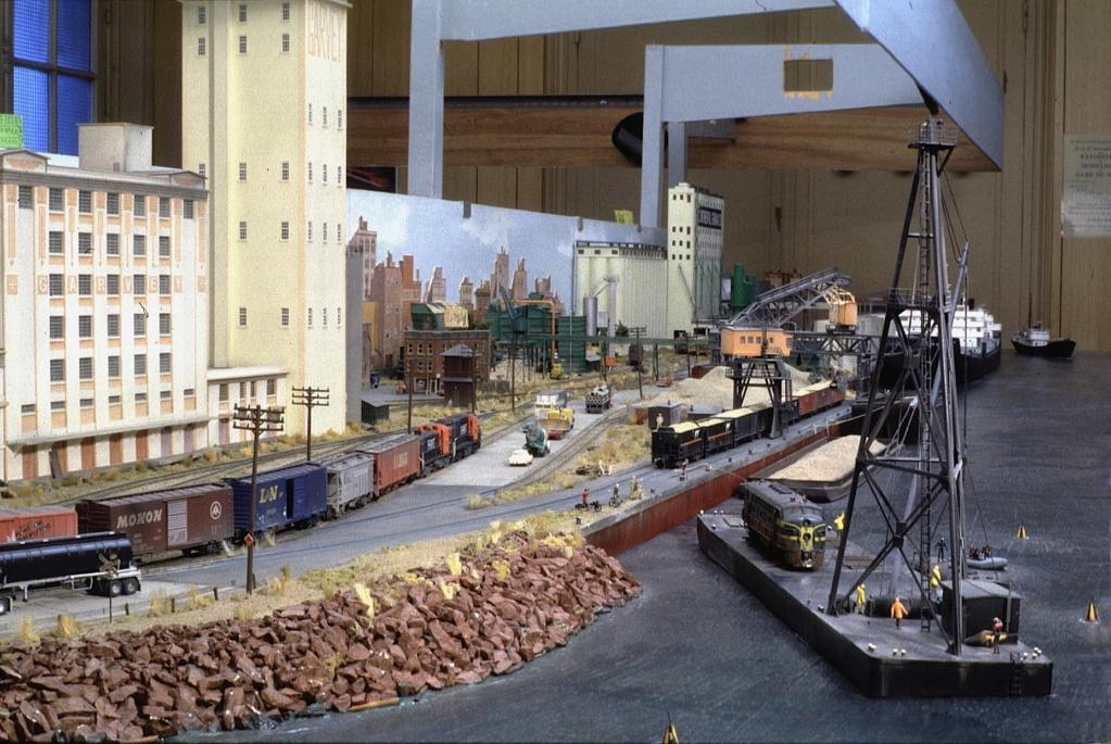 Dio : Free haven harbor terminal (scratch Échelle N) par LE CORRE Christophe Fhht1510