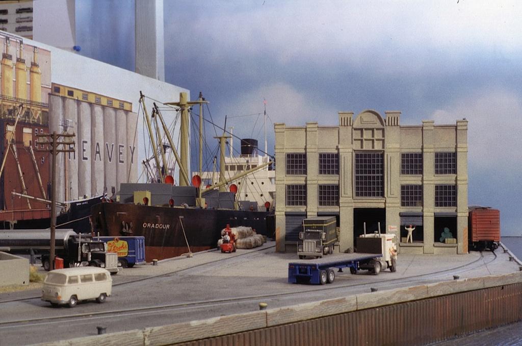Dio : Free haven harbor terminal (scratch Échelle N) par LE CORRE Christophe Fhht3410