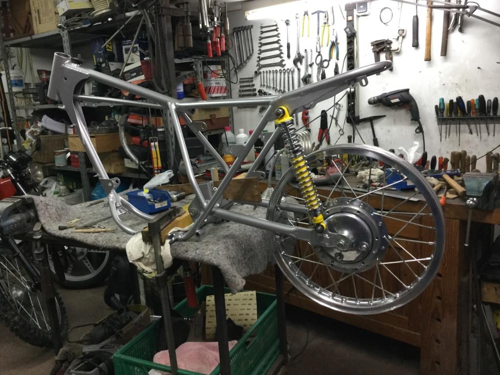 Bultaco Lobito MK 6, 175 cc by Eladius - Página 2 3708a410