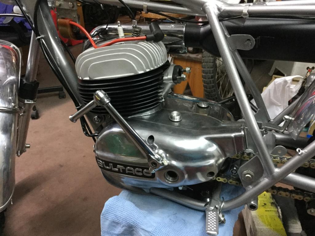 Bultaco Lobito MK 6, 175 cc by Eladius - Página 2 55379e10