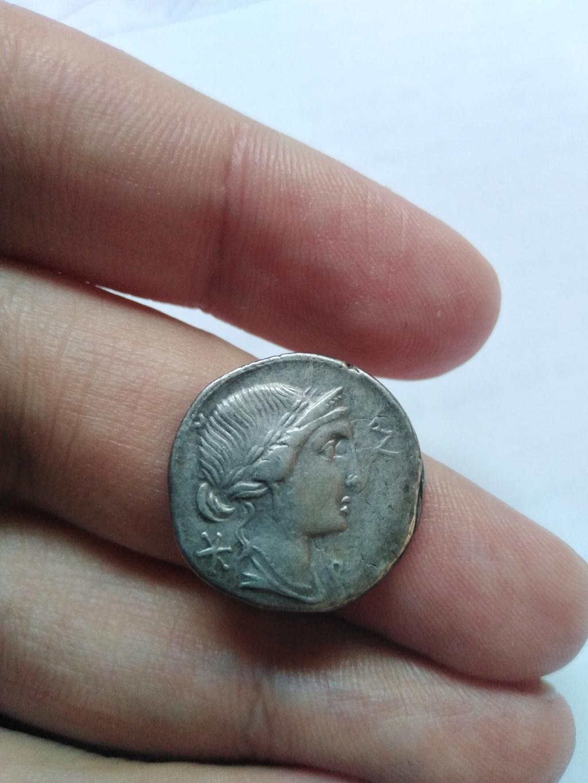 Denario de la gens Aemilia. MN AE-M-ILIO. Estatua ecuestre. Roma. Img_2114