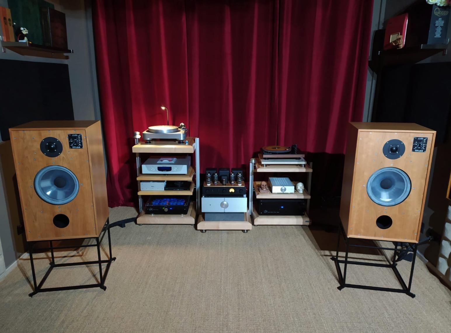 Salas audiofilas - Página 3 Img_2042