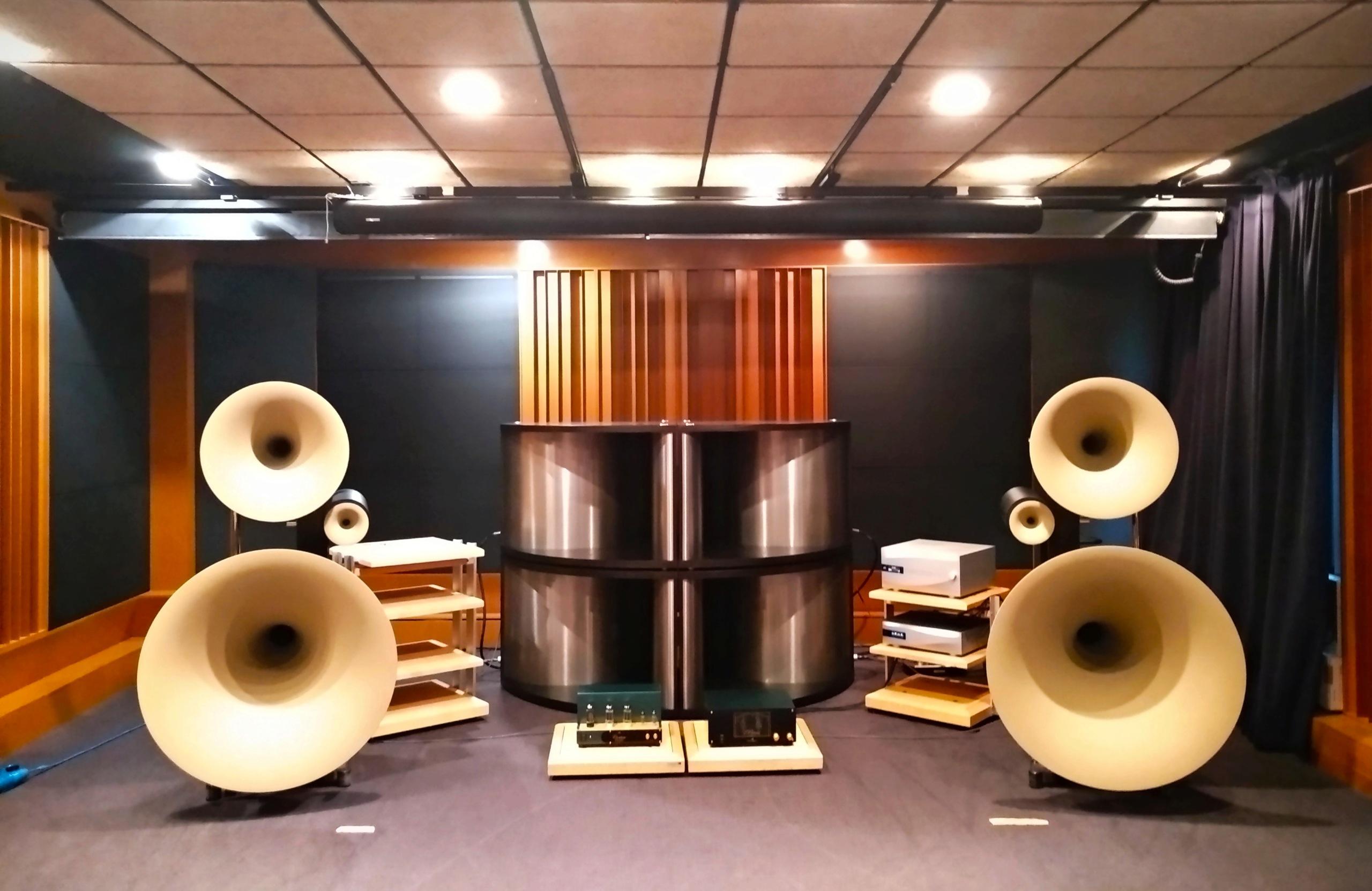 Salas audiofilas - Página 2 Img_2047