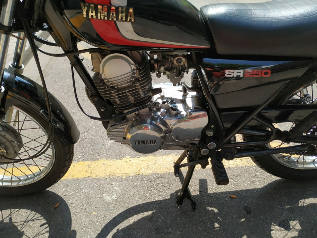 Vendo Yamaha SR 250 01012