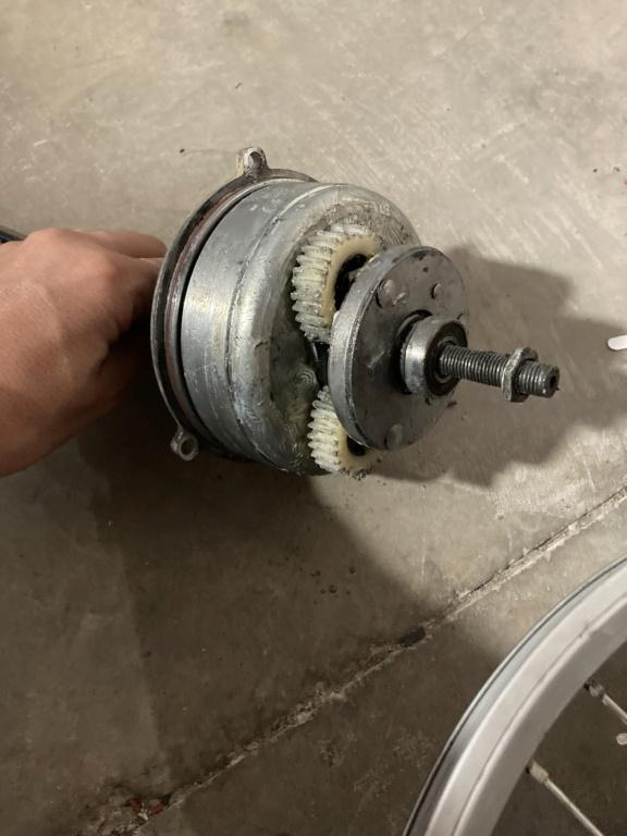 Regalo motor 20P con los engranajes rotos.  Img_0010
