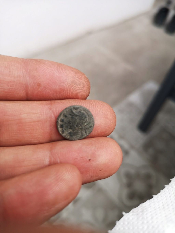 AE4 Conmemorativa de Roma. VRBS ROMA / GLORIA EXERCITVS. 16325815