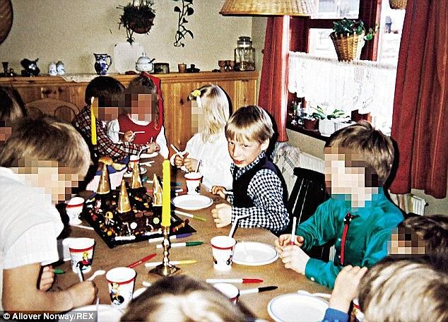 Photos of murderers as Children 267ed910