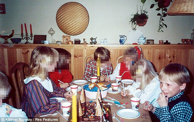 Photos of murderers as Children Articl10