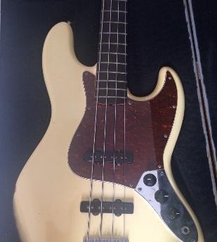 Dúvida sobre Fender Jazz Bass Img_0412