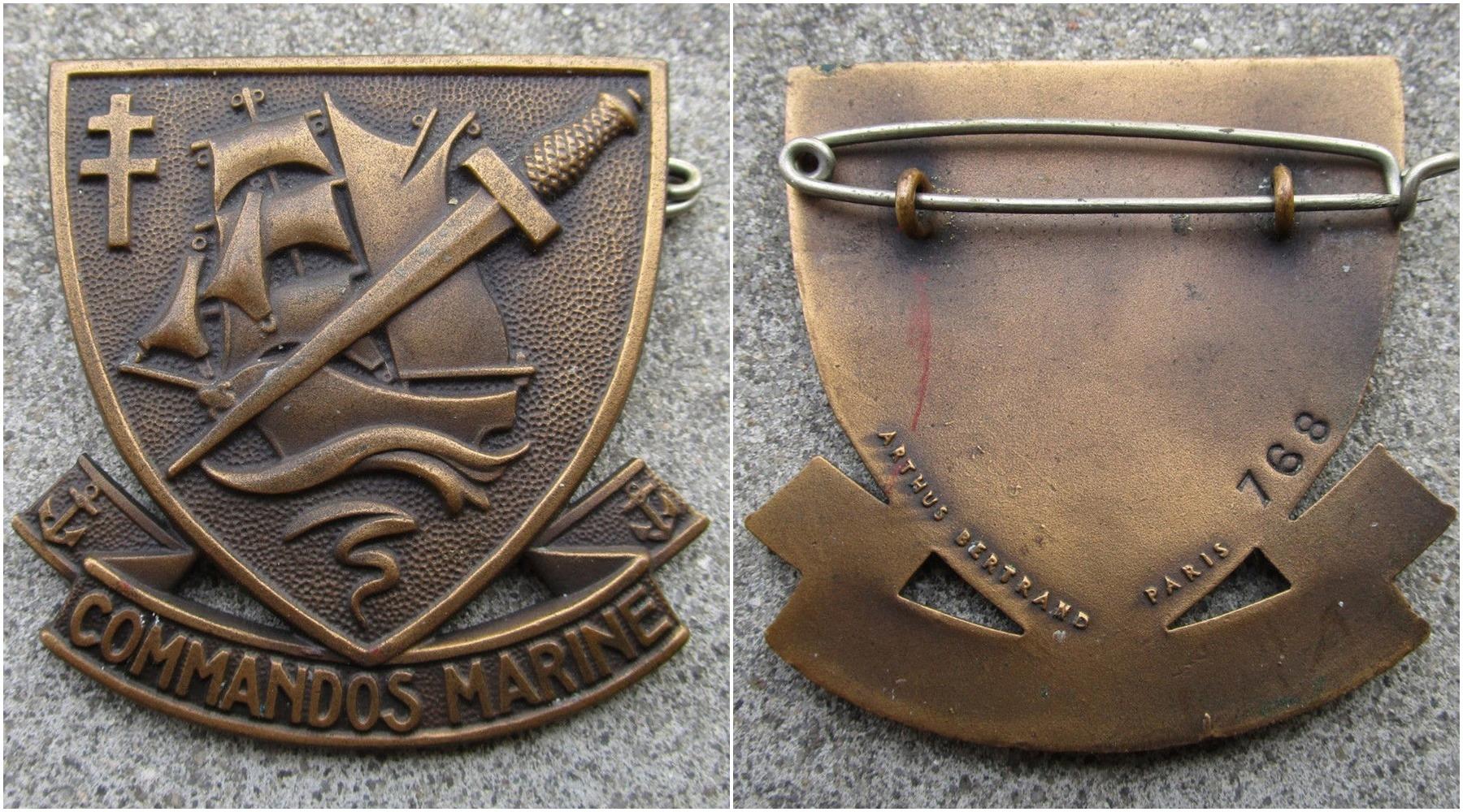 Identification insigne commandos marine  - Page 2 Page111