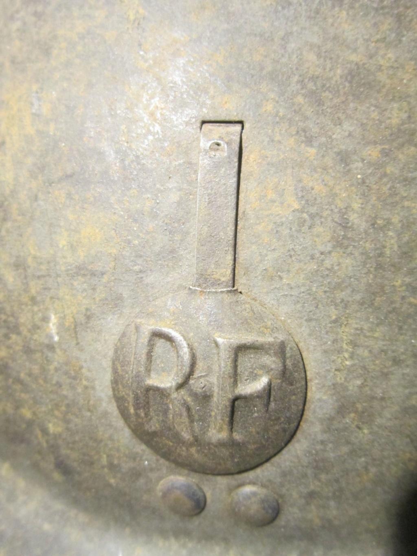 Identification insigne casque fr ww2 Img_9111